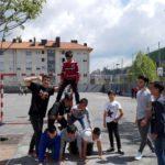Kiroleko  zikloko  ikasleek  Miribillako  Eskolan  talde  dinamikak  egiten