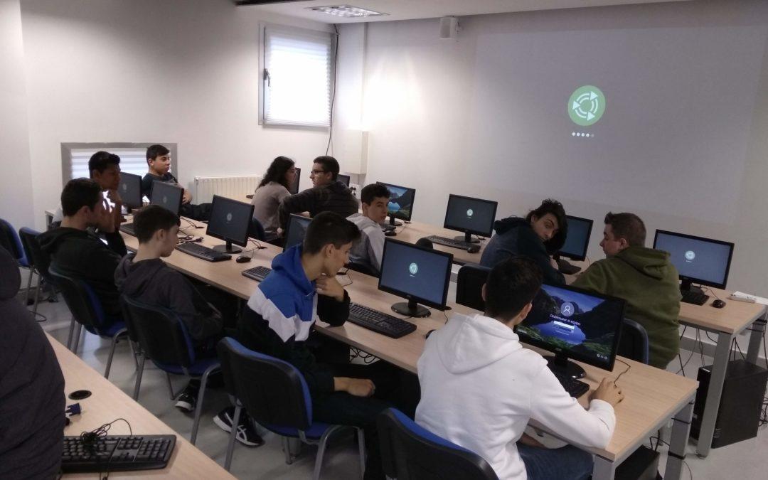 Informatika zikloko ikasleek ekipoak berriztatu dituzte