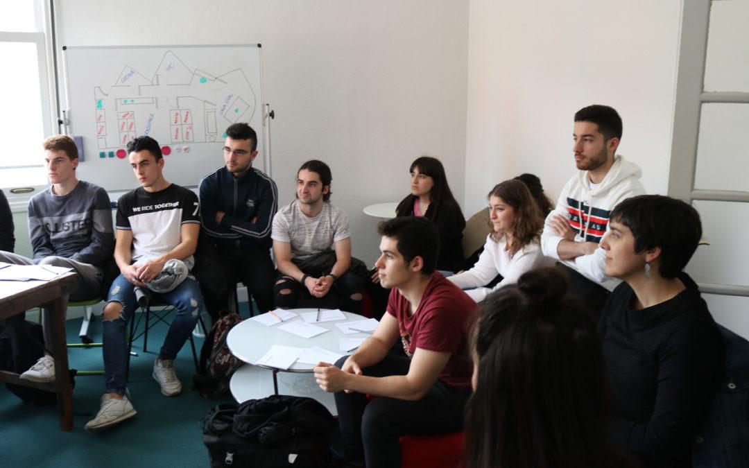 El alumnado de Marketing y Publicidad en las puertas abiertas de Worköholics